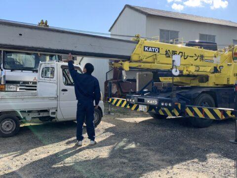 松阪クレーン 休み前の洗車 コベルコ製50トンラフタークレーン