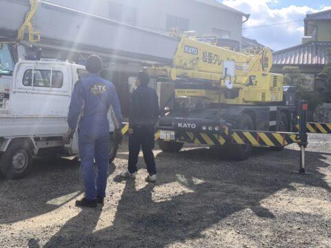 松阪クレーン 休み前の整備 コベルコ製50トンラフタークレーン